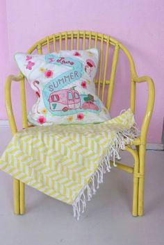 gepimpte stoel van Ikea  (paid hema, kussen room seven)
