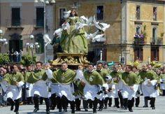 - SACRO E PROFANO: La Pasqua in Italia, tra fede e tradizioni - VINOWAY