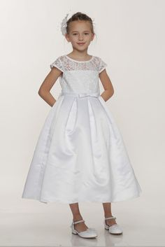 This+beautiful+formal+dress+is+perfect+for+communion:++Dull+Satin+Dress+Lace+Bodice+and+Sleeves+Small+Bow+at+Waist+Full+Pleated+Skirt+Tea+Length+100%+Polyester++Made+in+the+USA+To+get+the+