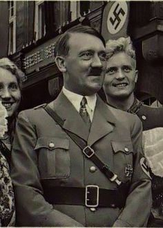 Pin by Dragon Report on Rare Photos of Hitler | Pinterest ...