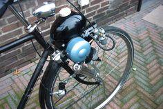 Berini02 - Berini (merk) -( het eitje) Moped Motorcycle, Moto Bike, Vintage Moped, Powered Bicycle, Motorized Bicycle, 50cc, Old Bikes, Classic Bikes, Old Things