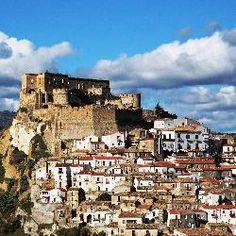 Rocca Imperiale, vista del castello e del borgo