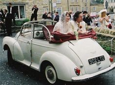 This vintage wedding car from Newark Vintage Car Hire is the perfect addition for a vintage wedding Source by hitchedcouk Vintage Car Hire, Wedding Car Hire, Wedding 2017, Wedding Car Decorations, Wedding Ideas, Morris Minor, Quelques Photos, Car Pictures, Car Accessories