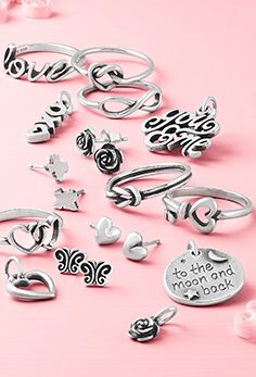 There are so many great ways to share the love with gifts $55 and under. Shop rings, charms, earrings and more.  #myjamesavery #jamesavery #valentinesdaygift #sterlingsilverjewelry James Avery, Electronic Music, Sterling Silver Jewelry, Gift Guide, Valentines Day, Charms, Gift Ideas, Shopping, Accessories