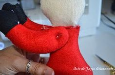 Christmas Crafts, Christmas Decorations, Xmas, Tis The Season, Crochet Projects, Dinosaur Stuffed Animal, Projects To Try, Santa, Holiday