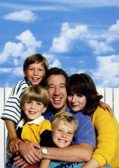 Home Improvement tv cast Photo 90s Tv Shows, Great Tv Shows, Home Improvement Cast, Home Improvement Projects, Jonathan Taylor Thomas, Kids Photography Boys, Family Tv, Classic Tv, Simple House