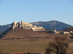 10 Largest Castles in the World – Touropia Travel Experts