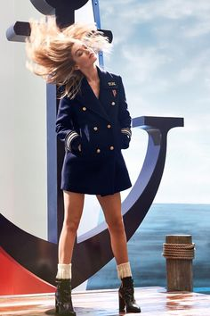 Gigi Hadid – Eau de Toilette The Girl by Tommy Hilfiger 2016 Campaign Tommy Hilfiger Perfume, Style Gigi Hadid, Gigi Hadid Shoes, Gigi Hadid Tommy Hilfiger, Fashion Mumblr, Nautical Fashion, Trends, Street Style, Gigi 2