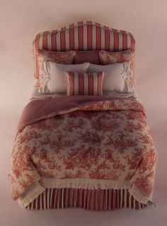 Sara Padded Bed by Lorraine Sculderi