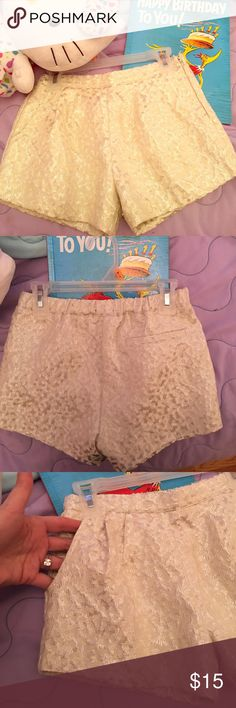 Cute silky-like pattern shorts. Pockets at side. Shorts can be worn with stockings or without. Super stylish for that girly girl❣worn twice. In great condition. Forever 21 Bottoms Shorts