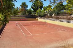 Villa Marigolf - golf Bonmont - Club sportif Club Sportif, Tennis, Villa, Golf, Le Havre, Spain, Fork, Villas, Turtleneck