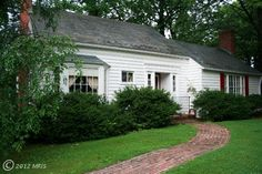 A beautiful story book cottage in #Baltimore #Maryland