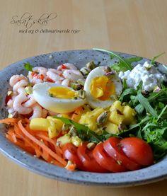 Salatskål med æg & chilimarinerede rejer