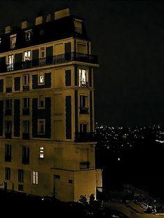 Au pied du Sacré Coeur, Montmartre, Paris by Eric K. Washington, via Flickr