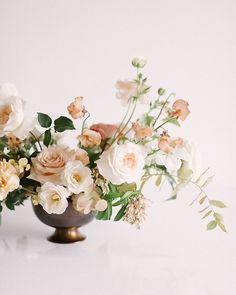 Anyone whos up for this gorgeous neutral palette I Wedding Flower Arrangements, Floral Centerpieces, Wedding Centerpieces, Wedding Table, Floral Arrangements, Wedding Bouquets, Wedding Decorations, Centrepieces, Neutral Wedding Flowers