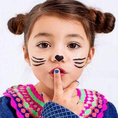 Mim Pi même avec un maquillage de chat !