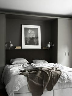 Dark Bedroom With Built In Cabinets - Coco Lapine images ideas from Modern Bedroom Designs Gray Bedroom, Home Decor Bedroom, Gray Bedding, Contemporary Bedroom, Modern Bedroom, Contemporary Style, Home Interior, Interior Design, Built In Bed