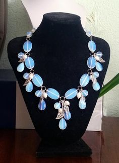 Bead Jewellery, Jewelery, Jewelry Necklaces, Handmade Beaded Jewelry, Handmade Necklaces, Lariat Necklace, Diy Earrings, Jewelry Patterns, Necklace Designs