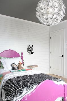Creating with the Stars – Girls Bedroom Reveal!   Ucreate • love the darker/feature ceiling