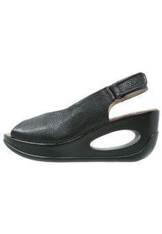 HATT - Sandaletter med kilklack - black