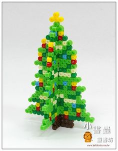 3d Christmas Tree, Christmas Tree Pattern, Christmas Cross, Christmas 2019, Melty Bead Patterns, Beading Patterns Free, Hama Beads Patterns, Christmas Perler Beads, 3d Perler Bead
