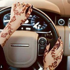 Henna Hand Designs, Modern Henna Designs, Floral Henna Designs, Arabic Henna Designs, Beautiful Henna Designs, Mehndi Art Designs, Latest Mehndi Designs, Henna Tattoo Designs, Dulhan Mehndi Designs