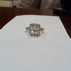 Soon to be sister's ring!! its soo pretty! :)