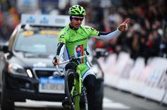 Sagan celebrates his victory with a wheelie.