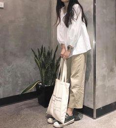 Korean Street Fashion, Korea Fashion, Asian Fashion, Look Fashion, Fashion Outfits, Korean Aesthetic, Beige Aesthetic, Aesthetic Fashion, Aesthetic Clothes