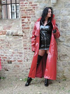 Rain Fashion, 70s Fashion, Womens Fashion, High Leather Boots, Leather Jacket, Shiny Boots, Red Raincoat, Latex Wear, Rain Wear