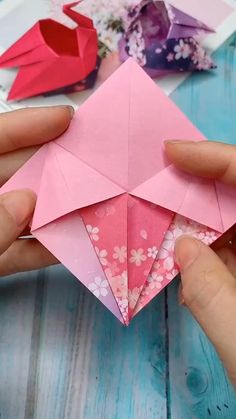 Paper Crafts Origami, Origami Paper Crane, Easy Origami, Oragami, Origami Art, Diy Crafts For Gifts, Paper Crafts For Kids, Diy Arts And Crafts, Hand Crafts For Kids