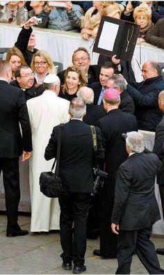 Herrera invita al Papa Francisco a visitar Ávila y Castilla y León en 2015 con motivo del V Centenario del nacimiento de Santa Teresa http://revcyl.com/www/index.php/cultura-y-turismo/item/2899-herrera-invita-al-papa-francisco-a-visitar-%C3%A1vila-y-castilla-y-le%C3%B3n-en-2015-con-motivo-del-v-centenario-del-nacimiento-de-santa-teresa
