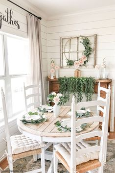 I am currently putting together a chandelier for my living room ! Lol Well at least I think thats where its gonna… Farmhouse Homes, Farmhouse Decor, Farmhouse Style, Sweet Home, Estilo Shabby Chic, Spring Home, Home Decor Inspiration, Decor Ideas, Decorating Ideas
