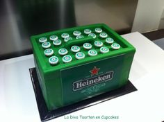 Heineken Beer Crate Cake My cousin was so kind to the weekend that his birthday would be available to keep a family weekend. Of course. Beautiful Cakes, Amazing Cakes, Romantic Room Decoration, Alcohol Cake, 18th Cake, Gravity Cake, Vegetable Carving, Birthday Cake Decorating, Cakes For Men
