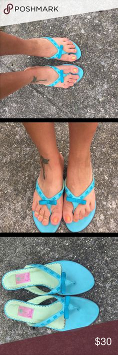 Lilly Pulitzer flops size 9.5 Blue leather flops EUC Lilly Pulitzer Shoes Sandals