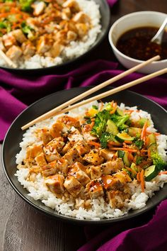 Teriyaki Grilled Chicken and Veggie Rice Bowls. The combo of zucchini and grilled chicken with the teriyaki sauce is delicious. Teriyaki Chicken And Rice, Teriyaki Sauce, Teriyaki Bowl, Soy Sauce, Barbecue Chicken, Veggie Rice Bowl, Chicken Rice Bowls, Asian Recipes, Healthy Recipes