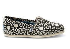 Out of all the Toms shoes, these are by far my fav. Morocco inspired