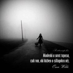Oscar Wilde idézet az optimizmusról. A kép forrása: Pozitív Nap Poem Quotes, Poems, Life Quotes, Oscar Wilde, Favorite Quotes, Encouragement, Medical, Wisdom, Touch