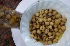 PICKLES DE GARBANZOS  receta de la India  Una receta de la India.  Pickles de garbanzos, los has probado? muy ricos y algo diferente para sorprender a tus comensales   http://lacocinadeile-nuestrasrecetas.blogspot.com.ar/2017/05/pickles-de-garbanzos.html