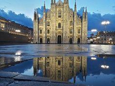Buongiorno #Milano Ecco piazza del Duomo dopo il temporale Foto di Gualberto Zonda #milanodavedere Milano da Vedere