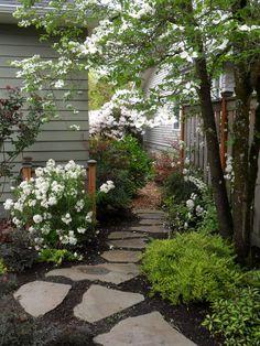 Stepping Stone Sideyard - Traditional - Landscape - Portland - by Plan-it Earth Design   Houzz NZ Cottage Garden Design, Cottage Garden Plants, Diy Garden, Shade Garden, Garden Paths, Garden Ideas, Cottage Gardens, Herb Garden, Tuscan Garden