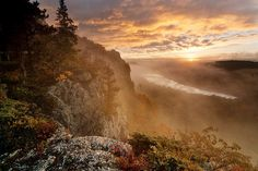 Sunrise at Lake of the Clouds by Pure Michigan, via Flickr