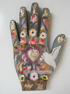 Mexican Folk Art Decoration Wood Hand With A Heart And 7 Milagros Christianity photo Mexican Design, Mexican Style, Day Of The Dead Art, Tin Art, Arte Popular, Mexican Folk Art, Outsider Art, Sacred Heart, Medium Art