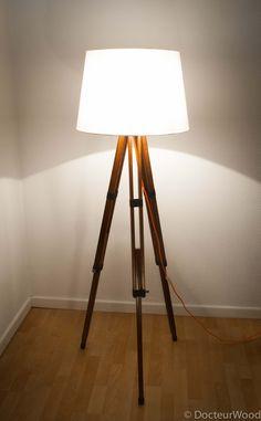 L'article d'aujourd'hui est consacré à un DIY tout en douceur. Alors à vos outils, car c'est parti! Vous pourrez ainsi réaliser vous-même une lampe trépied. Diy Lampe, Tripod Lamp, Design Inspiration, Lights, Wood, Ainsi, Hui, Home Decor, Ideas