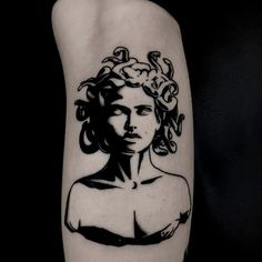 Medusa Tattoo: These 35 ideas will either scare you .- Medusa Tattoo: These 35 ideas will either scare you or you will get a - Tattoo Drawings, Body Art Tattoos, Small Tattoos, Sleeve Tattoos, Cool Tattoos, Tatoos, Leg Tattoos, Piercing Tattoo, Piercings