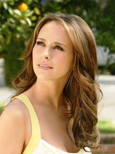 jennifer love hewitt hair color http://pinterest.com/NiceHairstyles/hairstyles/