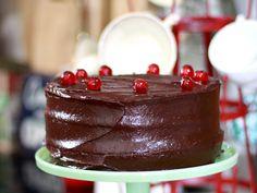 Leilas recept på layered chocolate cake med pepparkakskrydda. En mjuk pepparkaka med maffig nutellaglasyr.