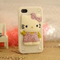 Decorate your iphone 4 or iphone 4s with this Pearl Bling 3D Hello Kitty case, make your iphone more up-market and beautiful with this trendy design.