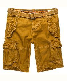 Superdry Cargo shorts Kraftig kanvasshorts med fine detaljer. Knapper i gylf, linning med beltestropper og fargerik logo på innsiden. Bøttelommer, stikklommer og baklommer med knappelukking.100% solid bomull. Vask 30ºC