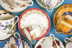 China dishes and other china dinnerware vary widely in their value. Look at logos, symbols, hallmarks and country of origin to help determine the value. Antique Tea Cups, Vintage Teacups, Selling Antiques, China Painting, China Dinnerware, Egg Shells, Service, Cup And Saucer, Tea Party